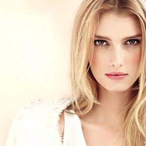 CHANEL VITALUMIÈRE AQUA Ultra-Light Skin Perfecting Makeup Instant Natural Radiance SPF15